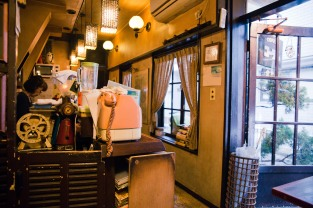 A café as old-fashioned as they come in Tokyo.